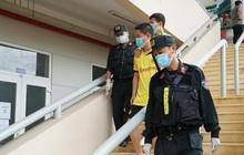 Bình Dương: Bàn giao 11 người Trung Quốc nhập cảnh trái phép cho công an xử lý