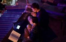 Hà Nội: Lễ cầu an tổ chức online nhưng nhiều phật tử vẫn tập trung xung quanh tổ đình Phúc Khánh để vái vọng