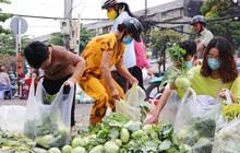 """Rằm tháng Giêng, người Sài Gòn hồ hởi kéo nhau đi """"giải cứu"""" bắp cải, su hào cho bà con Hải Dương"""