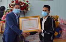Anh Nguyễn Ngọc Mạnh nhận bằng khen của Thủ tướng