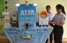 Bộ trưởng Bộ GD&ĐT tặng bằng khen cho 2 HS chế tạo ATM phòng dịch