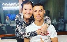 Mẹ Ronaldo lần đầu kể về phút giây sinh tử, suýt phải lìa xa cậu con trai yêu quý