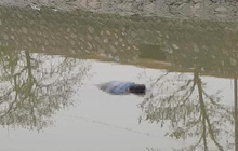 Nam Định: Phát hiện thi thể nam thanh niên 20 tuổi trôi dạt dưới cầu Trung Linh