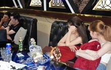 """Bắt quả tang 37 nam, nữ biến quán karaoke, khách sạn thành nơi """"thác loạn"""" ma túy"""