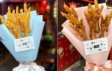 """Quán ăn ở Hà Nội """"chơi trội"""" tặng chị em hẳn bó hoa bằng chân gà trị giá 150k nhân 8/3 khiến dân tình xôn xao"""