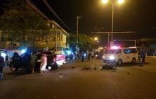 Xe máy va chạm với ô tô bán tải, 1 thanh niên chết thảm, 2 người nguy kịch
