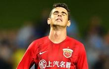 Sự lụi tàn của một ngôi sao bóng đá rời đỉnh cao ở tuổi 25 để chạy theo tiếng gọi đồng tiền từ Trung Quốc