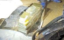 Bắt vụ ma túy lớn, thu giữ 40 bánh heroin