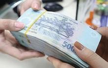 Đình chỉ công tác nhân viên ngân hàng bị tố chiếm dụng tiền vay của khách