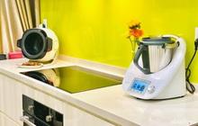 Robot nấu ăn giúp mẹ Sài Gòn nhàn tênh, cân được cả ngàn món nhưng vẫn phát hiện điểm trừ đáng tiếc này
