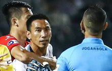 Xác định cầu thủ CLB TP.HCM húc đầu làm trọng tài chảy máu mồm trên sân Thanh Hoá