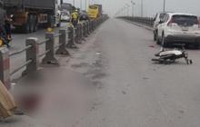 Hà Nội: Nam thanh niên tử vong cạnh xe máy, nghi tự đâm vào thành cầu Thanh Trì