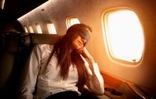 Tiếp viên hàng không lâu năm cảnh báo thói quen của nhiều người khi đi máy bay sau tưởng rất bình thường nhưng lại vô vàn tác hại