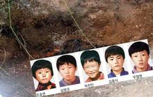 """""""Những cậu bé ếch"""": 5 đứa trẻ mất tích trong rừng, 11 năm sau chỉ còn là bộ xương khô, vụ án bí ẩn khiến cảnh sát Hàn Quốc vò đầu bứt tóc"""