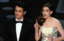 """Lí do Oscars 2011 là đêm tồi tệ nhất lịch sử: Anne Hathaway không """"gánh"""" nổi đồng đội vô duyên, tưởng ai hóa ra tài tử Người Nhện"""