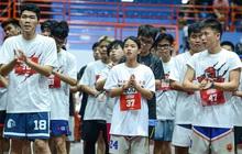 Hà Nội mưa như trút nước, giới trẻ vẫn xếp hàng đông nghịt tham gia Tryout của Thang Long Warriors
