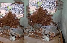 Mưa lớn cuốn trôi gốc cây làm sập tường, đè trúng người đàn ông đang ngủ trong giường