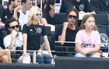 """Nhà Beckham và thông gia tỷ phú """"hẹn hò"""": Brooklyn để """"bàn tay hư"""" ôm hôn thê, át cả mẹ con Harper - Victoria và bố mẹ vợ"""
