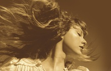 """Chưa kịp vui vì Taylor Swift thu âm lại album cũ mà xác lập được kỷ lục mới thì Pitchfork chấm điểm """"tụt cả mood"""""""