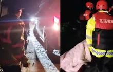 """Nghe báo có người chết đuối, nhân viên cứu hộ chạy đến hiện trường rồi suy sụp thốt lên: """"Đó là cuộc giải cứu cay đắng nhất"""""""