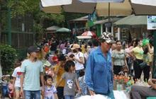 Hà Nội: Nhiều gia đình đưa con đổ về công viên Thủ Lệ vui chơi dịp nghỉ lễ Giỗ tổ Hùng Vương
