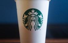 """Nghệ thuật """"thao túng tâm lý người tiêu dùng"""" lý giải vì sao 1 chiếc ly Starbucks có thể được bán với giá 20 triệu đồng"""