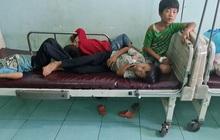 Hơn 100 người cả người lớn, trẻ em nhập viện sau khi ăn cỗ cưới