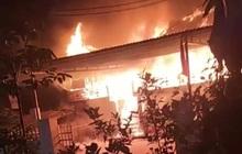 Cãi nhau với vợ, chồng xả khí gas đốt ngôi nhà gỗ trị giá nửa tỷ đồng