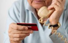 Một cụ già 90 tuổi ở Hong Kong bị những kẻ lừa đảo qua điện thoại chiếm đoạt gần 33 triệu USD