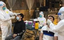 Hai công nhân mắc COVID-19, Bắc Ninh lấy mẫu test nhanh cả đêm