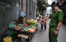 Hà Nội: Lực lượng chức năng ra quân tuyên truyền người dân dừng bán bia hơi và chợ cóc để phòng dịch Covid-19