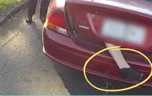 """Thấy bàn chân thò ra từ cốp ô tô đầy rùng rợn, cảnh sát đuổi theo chặn xe nhưng cảnh tượng sau đó khiến ai nấy """"ngã ngửa"""""""