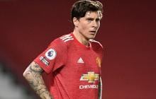 Thảm họa phòng ngự khiến MU thua tan nát trước Liverpool