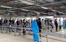 Nhân viên y tế căng mình trong nắng nóng xét nghiệm hơn 80.000 công nhân ở Bắc Giang