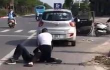 Hà Nội: Kỷ luật cảnh cáo, điều chuyển chiến sĩ công an thờ ơ khi chứng kiến tài xế vật lộn bắt cướp