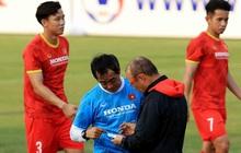 HLV Park dặn kỹ tuyển Việt Nam không vào bóng nguy hiểm gây chấn thương cho đồng đội khi tập luyện