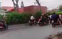 """Tạm giữ hình sự 11 """"quái xế"""" chặn quốc lộ 22 để đua xe ở Sài Gòn"""