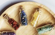"""Từ 45k đã mua được các mẫu trang sức, đá phong thủy nhỏ xinh để chị em """"lấy vía"""", thu hút năng lượng tích cực"""