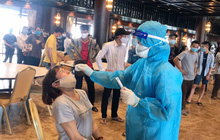 Hà Nam lấy hơn 1.100 mẫu tại chùa Tam Chúc sau khi ghi nhận một nữ nhân viên mắc Covid-19