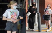"""Mẹ con Angelina Jolie đi dạo phố thôi mà gây tranh cãi: Bé út nổi như cồn vì chân dài, """"Tiên hắc ám"""" lại bị chê dừ như phù thủy"""