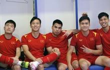 Đội trưởng dàn nam thần ĐT Việt Nam đăng ảnh trước giờ đấu Malaysia, fan bật mode hóng hết cỡ