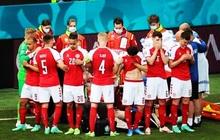 Tình người xúc động ở khoảnh khắc Eriksen ngã xuống: Đồng đội cứu đồng đội, cả khán đài rơi nước mắt cầu nguyện