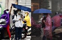 Khổ như sĩ tử thi lớp 10 Hà Nội: Đi thi gặp mưa lớn như trút nước, gió mạnh hất ngược cả ô dù