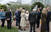 Tổng thống Joe Biden phá vỡ nghi thức Hoàng gia khi đến dự tiệc sau Nữ hoàng Anh?