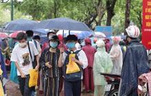 Thi vào lớp 10 Hà Nội năm 2021 ngày thứ hai:  Hơn 93.000 sĩ tử kết thúc kỳ thi trong trời mưa nặng hạt, đề Sử siêu dễ