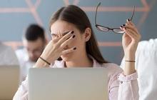 Cứ thấy mỏi mắt là nhỏ thuốc, đây là sai lầm tai hại ảnh hưởng lâu dài tới sức khỏe đôi mắt