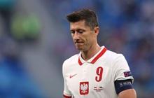 Cầu thủ liên tục mắc lỗi, thẻ đỏ đầu tiên xuất hiện tại Euro 2020, ĐT Ba Lan nhận thất bại