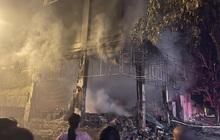 Nghệ An: Phòng trà bốc cháy trong đêm, phát hiện 6 người chết ở tầng 2