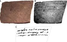 """Giới khoa học mất 50 năm giải mã bức thư 2600 tuổi của anh lính trẻ gửi bạn, ai ngờ nội dung chuẩn """"trẩu tre"""""""