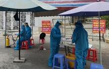 Một nhân viên và 5 người trong gia đình dương tính với SARS-CoV-2, UBND quận 7 tạm dừng hoạt động
